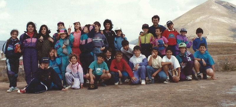 En Tinasoria, de caminata con alumnos de Colegio de Tías (1994)